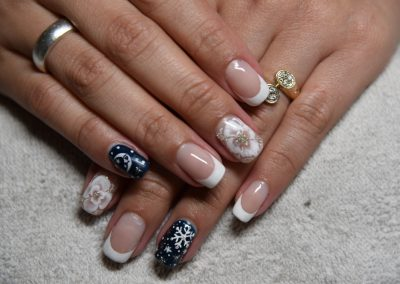 white+blue+colors+nails+manicure+zurich+stampfenbachstrasse+prices